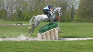 Yasmin Ingham & Fernhill Urco jumping in their Comfort Elite Puissance Mono Flap